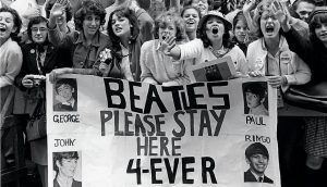 BEATLE FANS AT PARAMOUNT